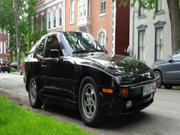 Porsche 944 2.5 L Porsche 944 base coupe 2 door